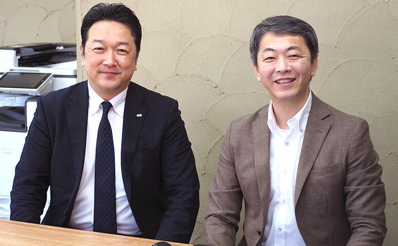 田岡社長(右)と「家族信託の相談窓口」森久純